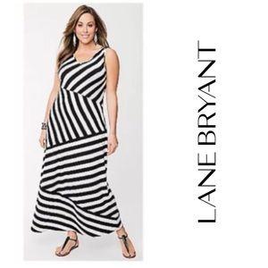 🆕Lane Bryant B&W Striped Maxi Dress